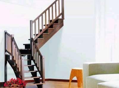 延伸扩展楼梯下面的经典地段