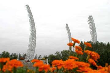 """亚洲最高的钢结构帆型建筑——""""海之帆"""""""