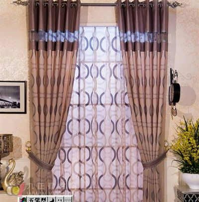 居室的色调和风格与布艺窗帘的最佳搭配