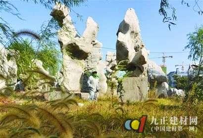 记者发现,青岛几处比较大型的景观石交易区内已经没有了以前的热闹,那