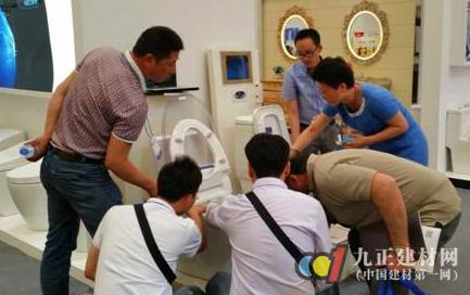 泡沫防病菌洁具引领上海国际厨卫展