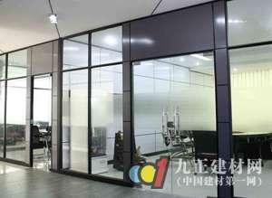 玻璃隔断好不好 玻璃隔断墙安装 玻璃隔断墙价格 设计百科 九正建材网 图片