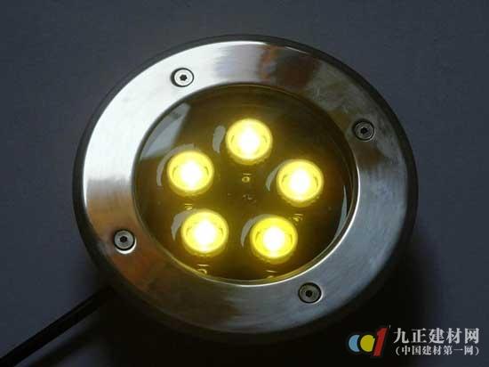 4,光源采用高效节能的led,具有高亮度,能耗低,照射面积大,寿命长等