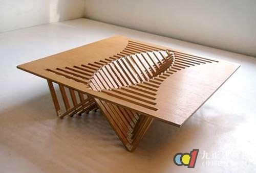 惠万家折叠书桌采用松木材质,稳定性好,具有木材清晰自然的纹理,具有