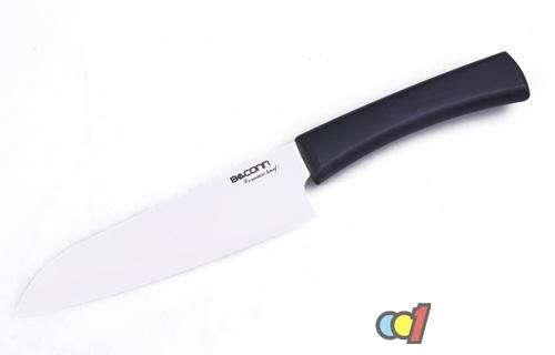 陶瓷刀能砍骨头_但是如果用陶瓷刀砍骨头的话,那不锈钢的刀具可能更适合,因为陶瓷刀