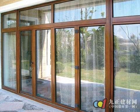 铝木门窗图片