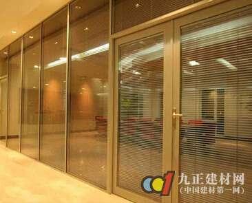 钢化玻璃门图片