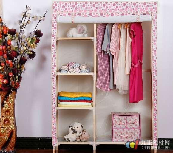 设计合理的简易布衣柜在安装时徒手就可以