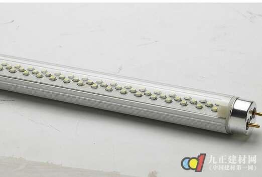 如果是安装外置电源的led灯管,则要将原来的镇流器(电子或铁芯)取下来