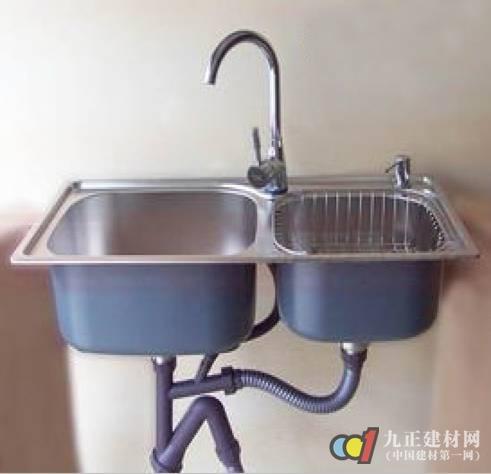 具体操作步骤如下: 1,拆掉原有水槽 2,将方太水槽洗碗机放置在原有