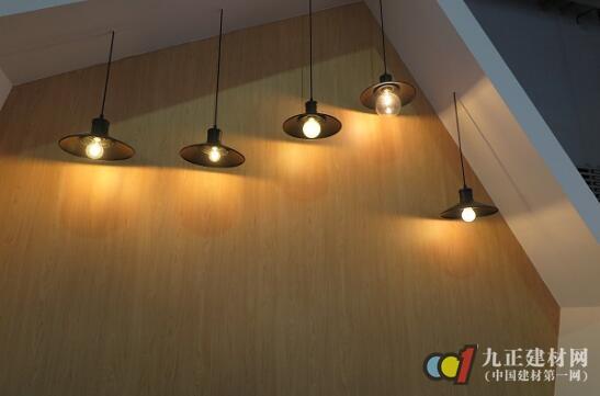 LED灯泡价格微幅上调 欧洲低价灯丝灯新品热销