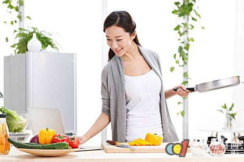 方太抽油烟机 成就美食和健康CP超强组合