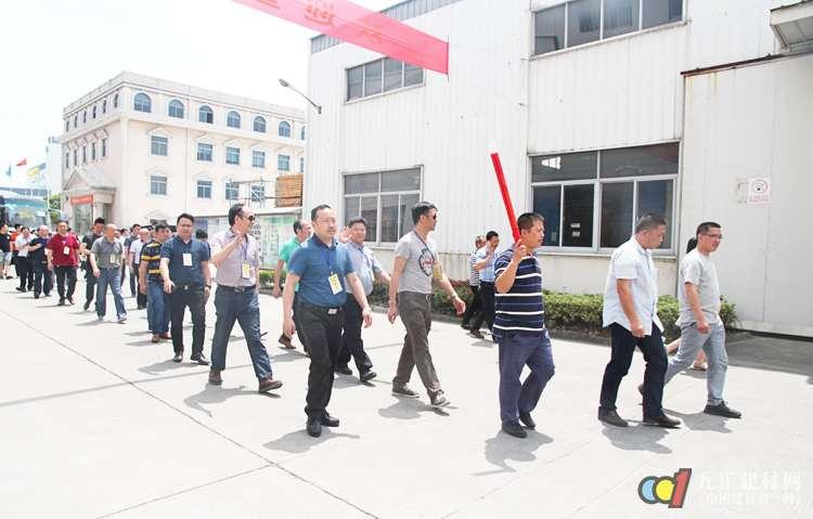 重庆木门考察团考察中国长江三角地区木门整装及相关企业
