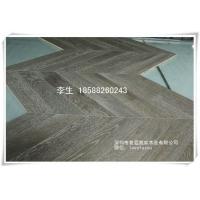 橡木人字拼地板、柞木浅绿鱼骨纹拉丝木地板,适合地热