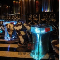 酒吧大厅发光玻璃吧台 高台散台
