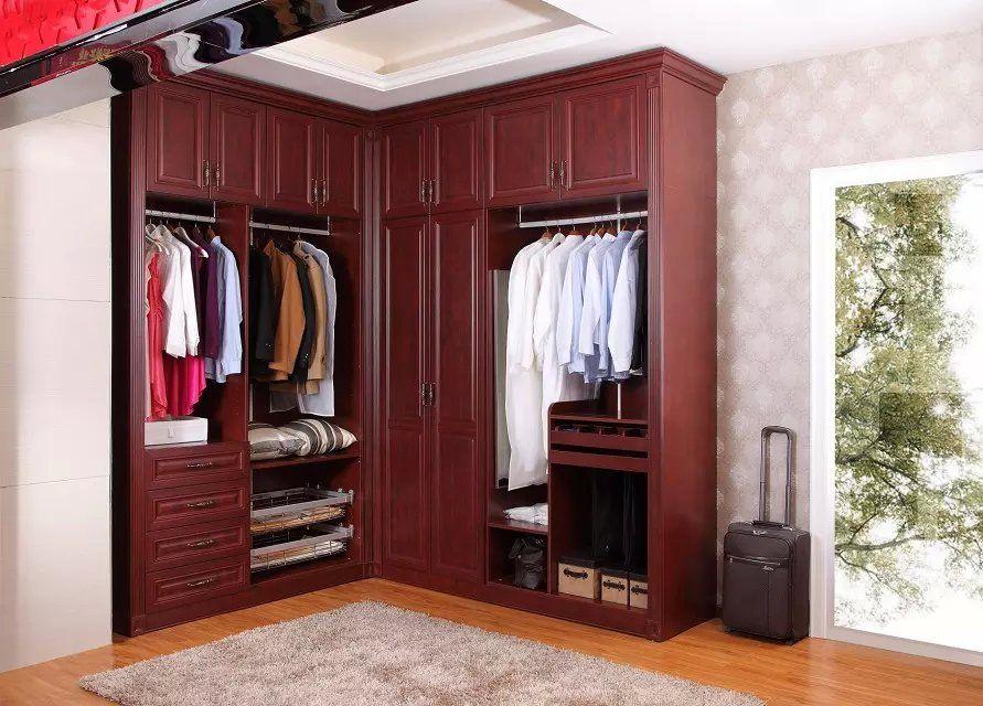 公司主营衣柜,书柜,酒柜,鞋柜,衣帽间等柜体,以及板材,皮艺,艺术玻璃
