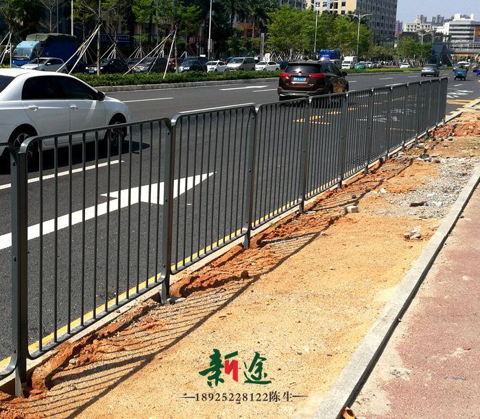 路侧护栏深圳港式护栏新途定做各尺寸