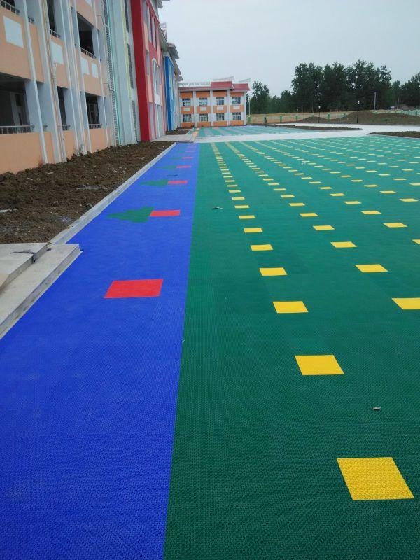 悬浮式拼装地板 圆柱软质大米格地板