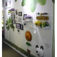 家居挂画与小饰品结合展示