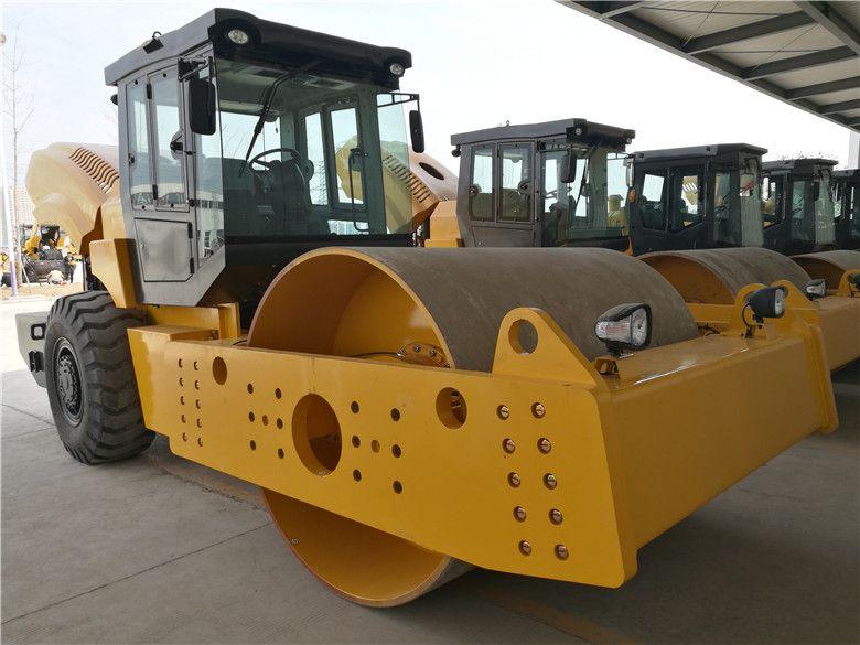 全新洛建20吨单钢轮振动压路机,质量平稳,全国联保