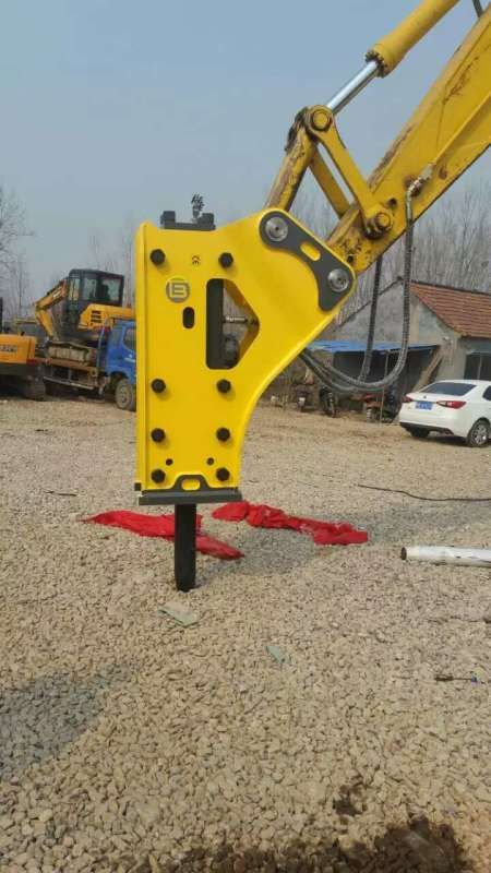 20吨挖掘机用液压破碎锤图片
