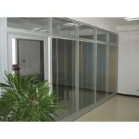 双层玻璃隔断内置百叶窗帘,可调光、防尘设计