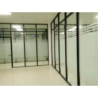 玻璃隔断属于固定的半封闭或封闭隔断