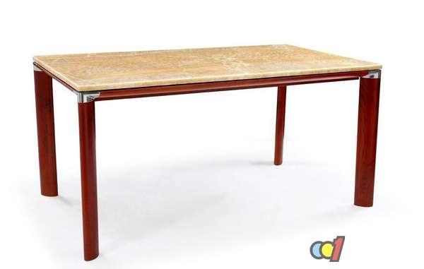 大理石桌子