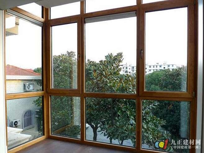 玻璃窗户上贴膜怎么样 玻璃窗怎么保养