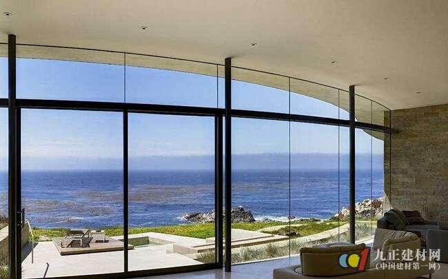 行业知识 玻璃窗种类有哪些 玻璃窗如何装 >   窗框与窗户洞口连接好