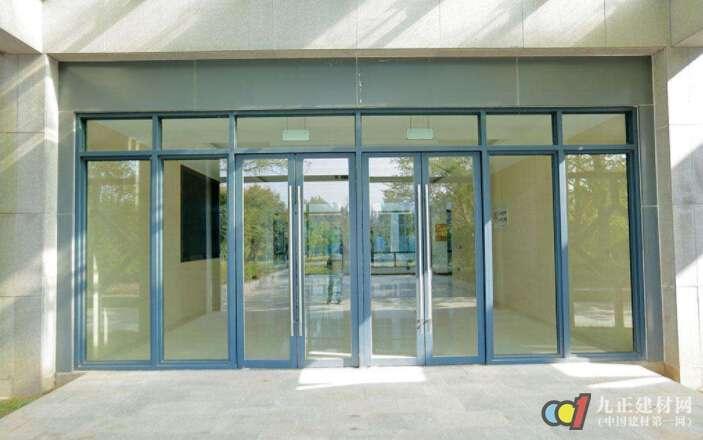 玻璃门的常见种类有哪些 玻璃门如何选购与安装_亚博