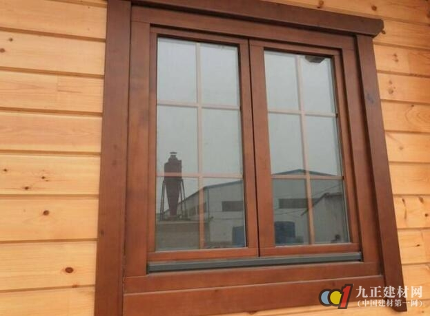AG体育_实木窗具有甚么优势特点 实木窗的材质与选购技能