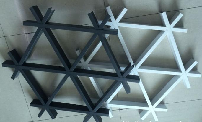 三角形铝格栅吊顶  铝合金格栅天花