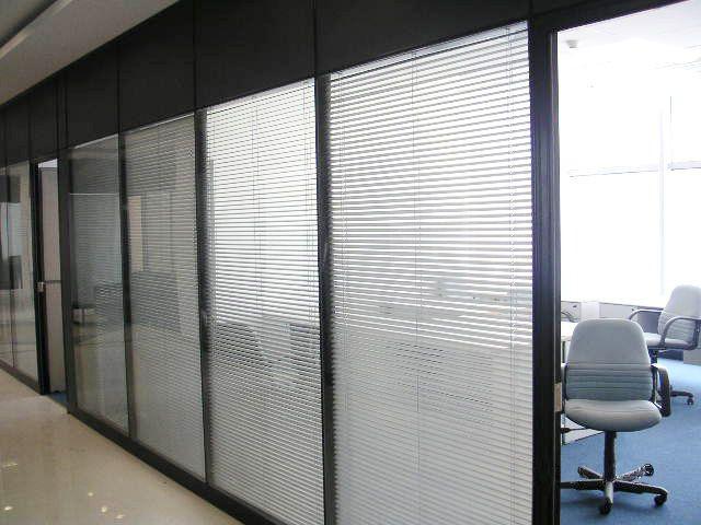 重庆玻璃隔断,中空玻璃百叶隔断,成品隔断,办公隔断
