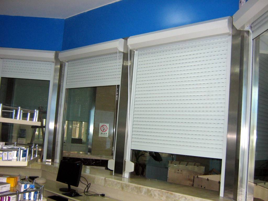 成都欧式卷帘窗防盗卷帘窗电动卷帘窗产品图片,成都欧式卷帘窗防盗