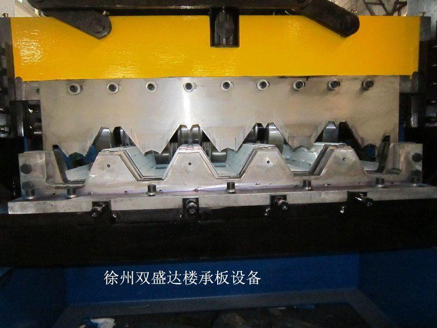 江苏双盛达楼承板设备