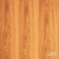 鸿基自然风地板-长板亮面地板L202