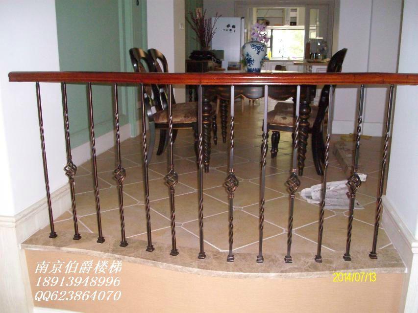 铝花铁艺花碳钢楼梯护栏图片