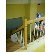 南京伯爵楼梯----钢管实木护栏