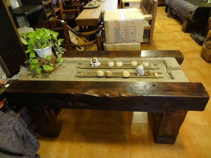 万达船木家具厂一家专业从事;老船木家居开发,制造,经销和售后为