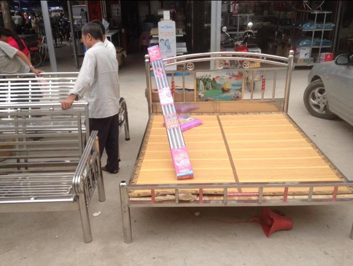 大量《下乡不锈钢床》1.8米无档板 日进万元 林风牌专业