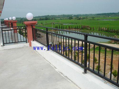 佛山锌钢阳台护栏 铝合金阳台栏杆 铝合金栅栏