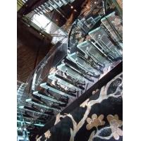 钢结构玻璃发光楼梯