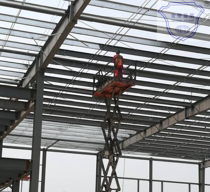 室内薄型钢结构防火涂料施工现场