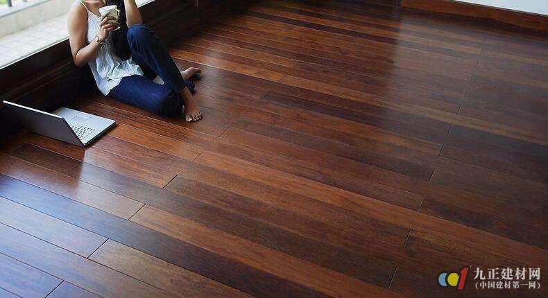 实木地板翻新可换颜色吗?实木地板翻新价格