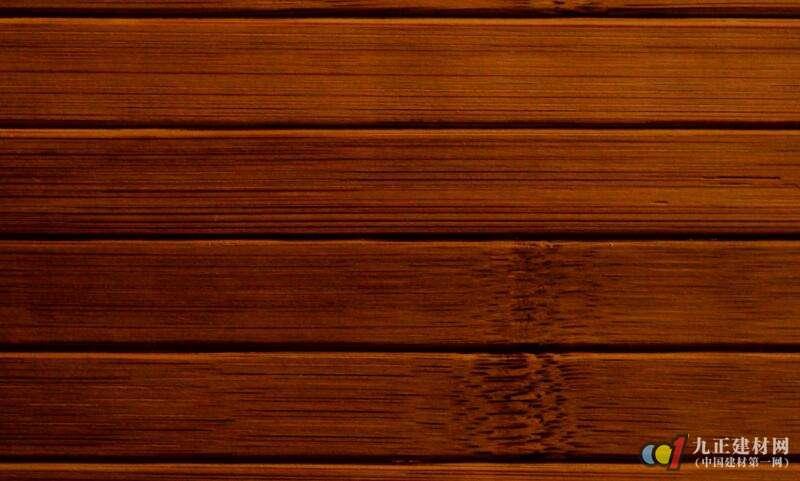 >   木纹pvc地板木纹仿真度高,色泽高雅,图案清晰,立体感强,加工,装配