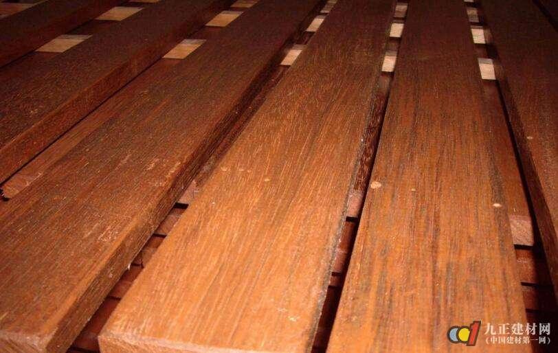 碳化木地板铺设方法 碳化木地板装修效果图