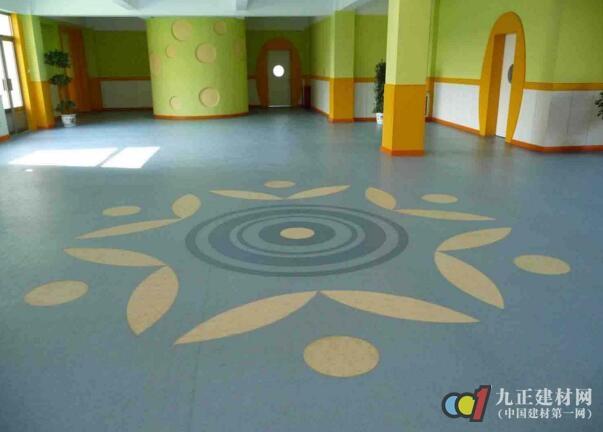 pvc地板怎么铺 pvc自粘地板好不好