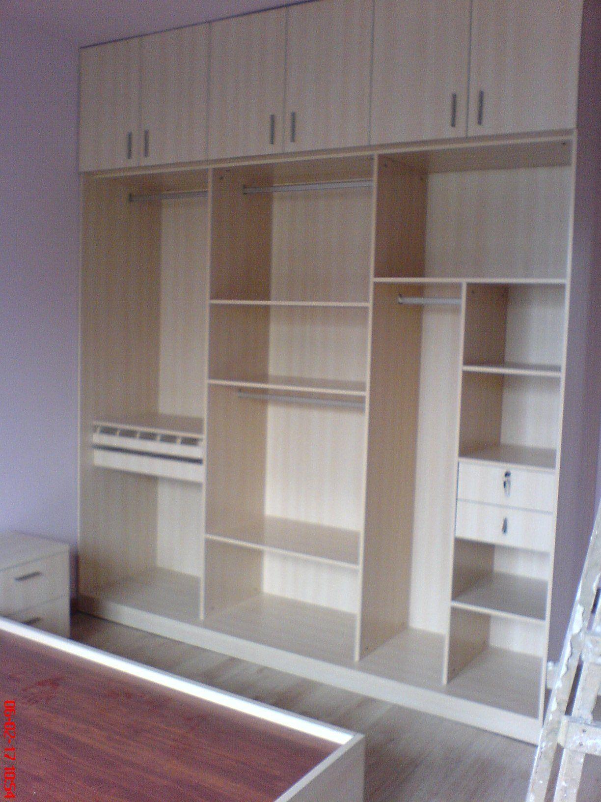 标准三门衣柜内部结构变形
