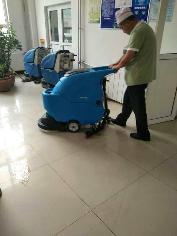 铜陵室内体育馆手推式地面洗地机